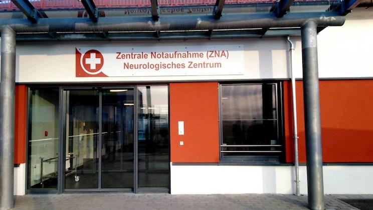 Bezirksklinikum Mainkofen + Eingang Neurologie