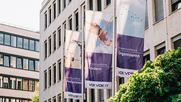 VDI/VDE Innovation + Technik GmbH - Fahnen